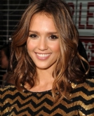 Jessica Alba's Medium Wavy Hairstyle
