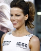 Kate Beckinsale's Voluminous Pigtail