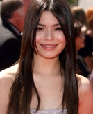 Miranda Cosgrove's Straight Locks