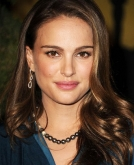 Natalie Portman's Long, Wavy Hairstyle
