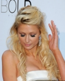Paris Hilton's Long Wavy Hairstyle