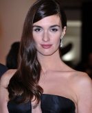 Paz Vega's Long Side  Parted Curls