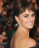 Penelope Cruz's Glossy, High Wavy Ponytail