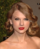 Taylor Swift's Pinned Back Hairstyle