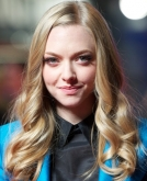Amanda Seyfried's Shiny Loose Curls