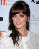 Leighton Meester's Loose Half-up, Half-down Hairstyle
