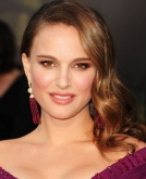 Natalie Portman's Romantic Side-swept Curls