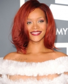 Rihanna's Shoulder-length Curly Hairstyle