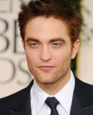 Robert Pattinson's Reddish Short Hair at 2011 Golden Global Awards