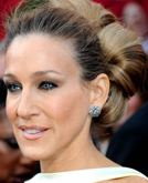Sarah Jessica Parker's On a Roll Updo Hairstyle at 2010 Oscars Red Carpet