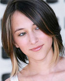 Zelda Williams Short Hairstyle
