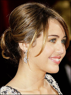 Miley Cyrus Romance Hairstyles Gallery, Long Hairstyle 2013, Hairstyle 2013, New Long Hairstyle 2013, Celebrity Long Romance Hairstyles 2013