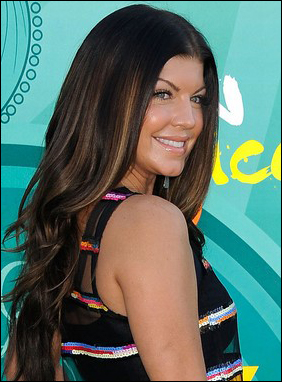 Fergie's Medium-parted Long Sexy Curly Hairstyle at 2009 Teen Choice